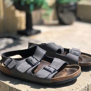 Men's sz 41 (8-8.5) Birkenstock sandals grey